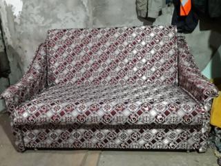 Продаю диван, кресла стулья.