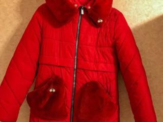 Продаю 2 куртки на девочку 9-10 лет