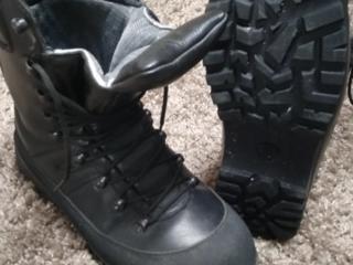 Ботинки в новом состоянии, 43 размер. 400 рублей ПМР