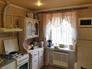 Продается 2 комнатная квартира с подвалом район НИИ 2 этаж