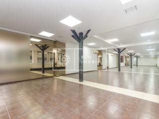 Spre chirie oficiu în centrul comercial Jumbo, etajul 4. Biroul este .