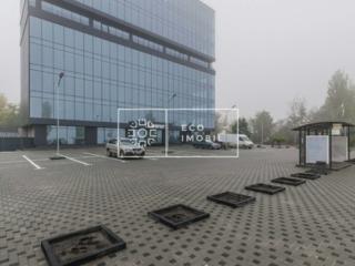 Spre chirie spațiu comercial în business center ITower. Facilități: ..