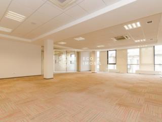Se dă în chirie oficiu în Business centru de elită, situat în sect. ..