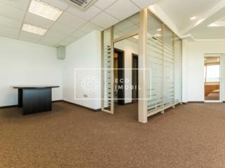 Spațiu de birou de închiriat la etajul 5 cu ferestre panoramice! La ..