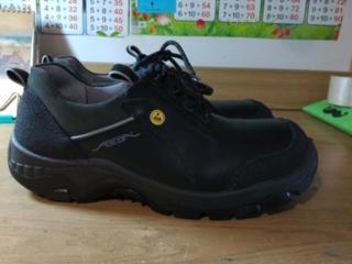 44 размер, кожа, новые ботинки с защитным носком - 200 руб