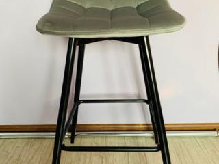 Велюровый барный стул
