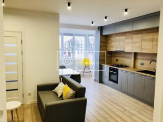 Se oferă în chirie apartament de LUX cu o cameră + living, situat în .