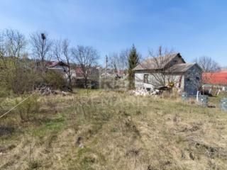Se vinde teren amplasat în Dumbrava în zonă de vile, IP Mugurel. ...