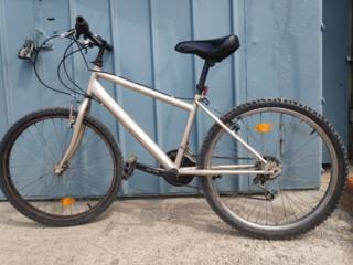 """Велосипед подростковый, на 24"""" колесах."""