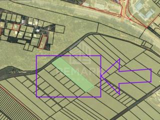 Se vinde teren pentru construcții cu suprafața de de 10 ari și cu ...