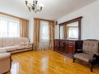 Se dă în chirie apartament cu 5 camere, amplasat pe str. Moscovei. ...