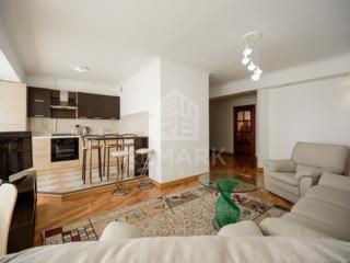 Se dă în chirie apartament cu 3 camere, amplasat lîngă parcul Ștefan .