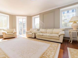 Se dă în chirie apartament SPECTACULOS cu 3 camere, amplasat pe str. .