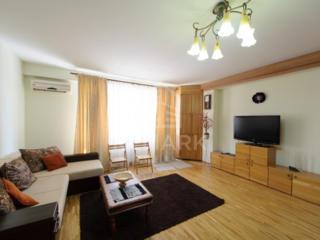 Se dă în chirie apartament de LUX cu 3 camere, situat în sect. ...