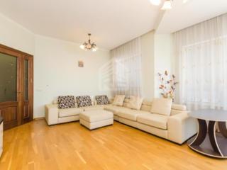 Spre chirie apartament de lux, situat în sectorul Centru, str. ...
