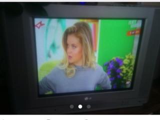 Vînd TV 54 cm diagonala in stare foarte buna