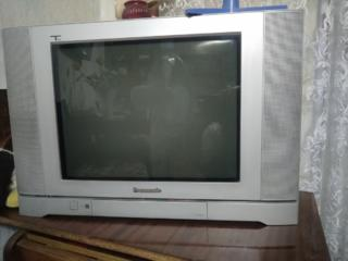 Продам б\у телевизор Panasonic Tau