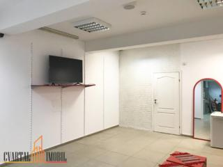 Se propune spre vânzare un spațiu comercial/oficiu, amplasat în ...