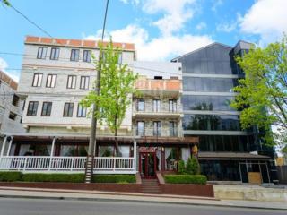 Se vinde spațiu comercial destinat pentru hotel sau clinică, ...