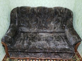 Выдвижной двуспальный диван 800 рублей