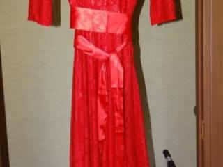 Платья нарядные 3 шт., кофта, джемпер. Недорого. Торг возможен.