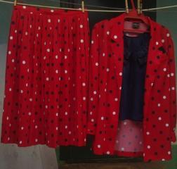 Продается шикарный костюм 50 размера в идеальном состоянии -500 руб