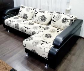 Угловой диван еврокнижка с подушками. Недорого!