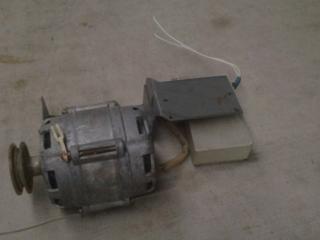 Двигатель для стиральной машинки Аурика или Золушка 150 руб.