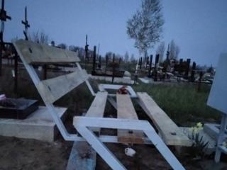 Изготовление столов, скамеек, оградок