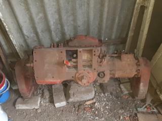 Se vinde puntea din urma a tractorului T16