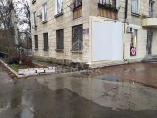 Se vinde spațiu comercial, amplasat pe bl. Grigore Vieru. Suprăfața ..