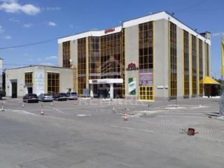 Se vinde spațiu comercial, amplasat pe strada Cucorilor, sectorul ...