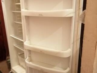 Срочно продаю холодильник. В городе Николаеве. Один большой холодильник б/у