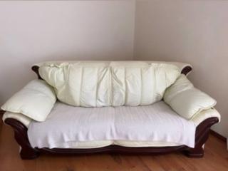 Продам кожаное кресло и диван