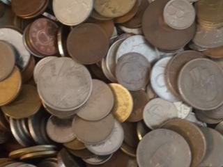 Монеты цена договорная много медных Европа