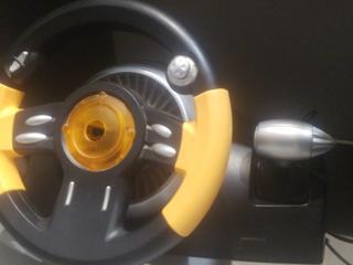 Продам игровой руль с педалями для пк(коробка передач на нем)
