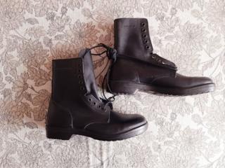 Продаю новые мужские кожаные ботинки.