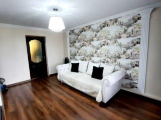 Vînzare apartament cu 3 odăi, încălzire autonomă și reparație euro