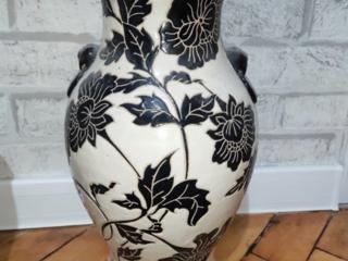 продам вазу напольную- интерьерную
