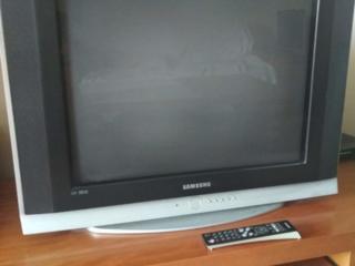 Samsung 70 см