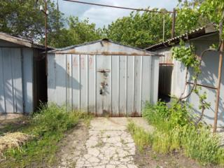Продам гараж ПАК№ 5 бокс№ 482 железный со смотровой ямой. Торга нет.