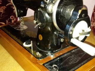Продаётся швейная машинка СССР.