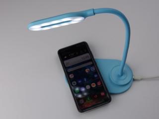 Iphone и Samsung - беспроводная зарядка 10 W для мобильного. Удобно.