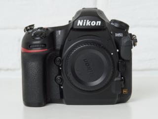 Продаю Nikon D850 боди