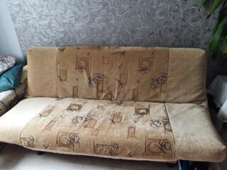 Продам срочно диван!
