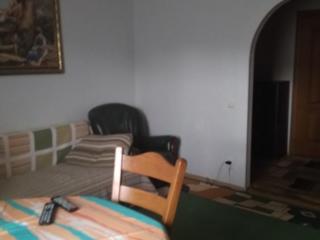Обменяю квартиру на дом