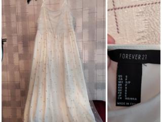 Продам платье НОВОЕ Forever 21 и зеленое платье