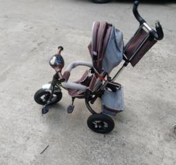 Детская коляска - велосипед в очень хорошем состоянии