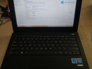 Продам netbook Asus X200M с сенсорным дисплеем