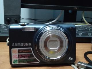 Фотоаппарат Самсунг 14.2 мп, Кодак 5 мп, Самсунг 7.2 мп.
